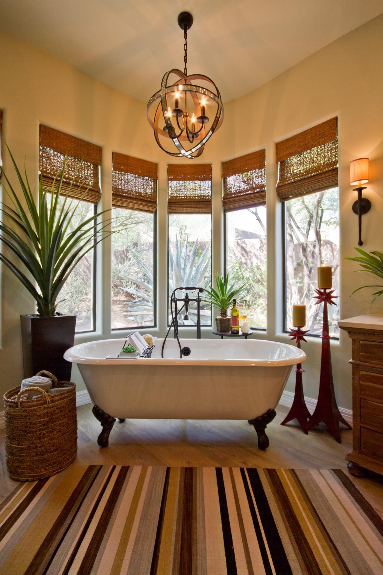 Sultry-Southwestern-Bathroom-With-White-Clawfoot-Tub