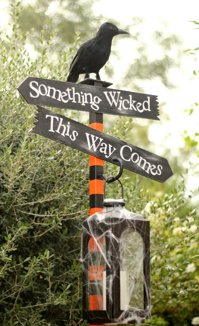 Astounding Halloween Decorations to Make