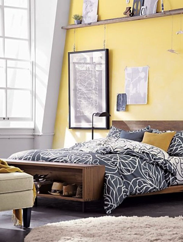 Bedroom-with-Yellow-Walls