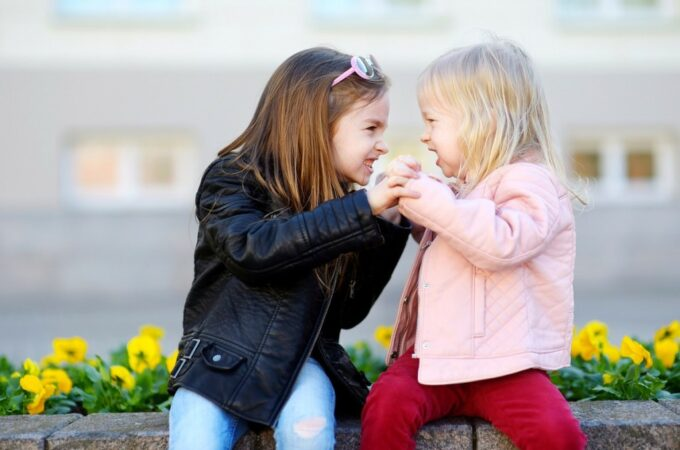 How to Handle Sibling Rivalry With Your Kids