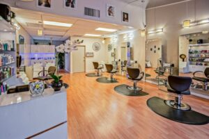 Starting a Salon? Ten Things to Bear in Mind