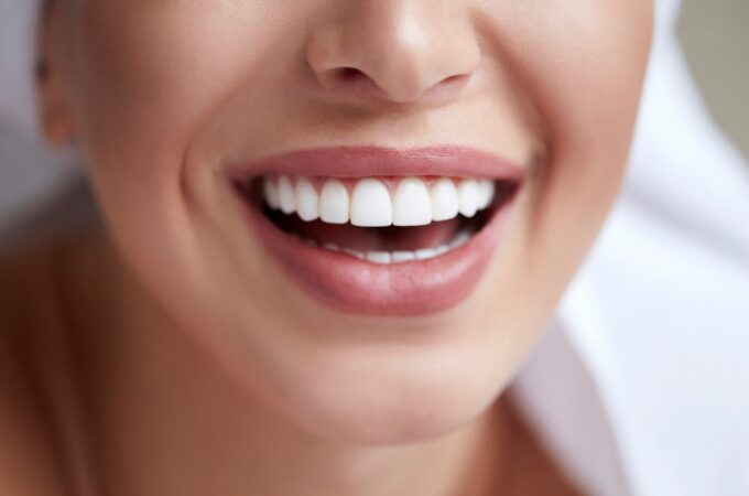 Contribution of Dental Implants to Oral Health